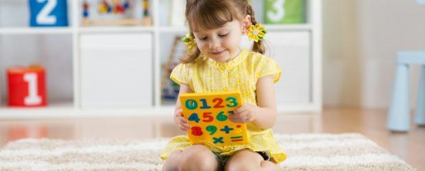 """Immersja językowa to nic innego jak całkowite """"zanurzenie"""" dziecka w języku obcym tak jak dzieje się to w przypadku języka ojczystego. W ten sposób maluch poznaje otaczający go świat w […]"""